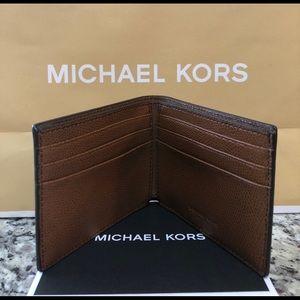 b0df81fa4d9022 Michael Kors Bags - NWT Authentic Michael Kors Slim Billfold Wallet
